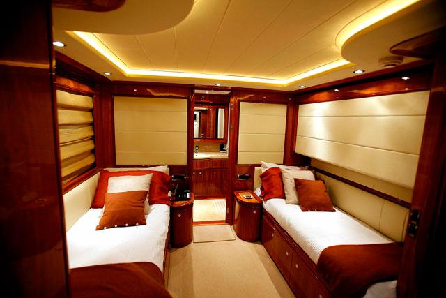 Ferretti 112 - Flybridge Yacht Charter Mallorca.